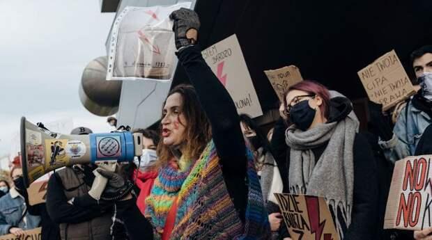 Россия иуроки социального протеста вПольше: феминизм, ЛГБТ— угроза нации