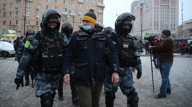 Россия выслала трех сотрудников посольств Швеции, Польши и Германии