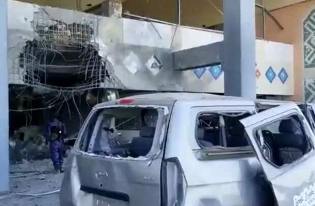 В аэропорту Йемена прогремели взрывы в момент прилёта нового правительства