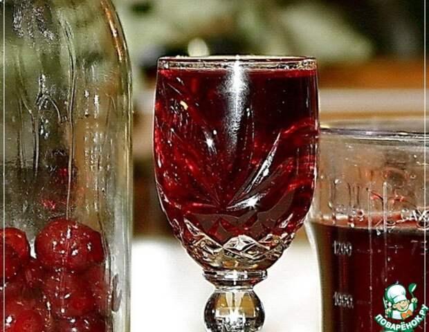 Рецепт: Наливка вишневая