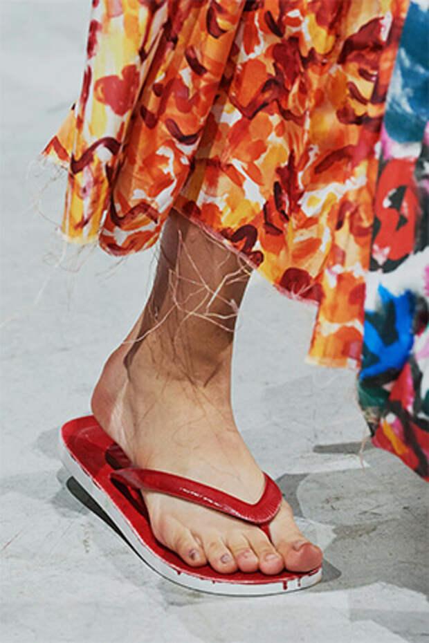 Курс на потепление: какую обувь купить на это лето?