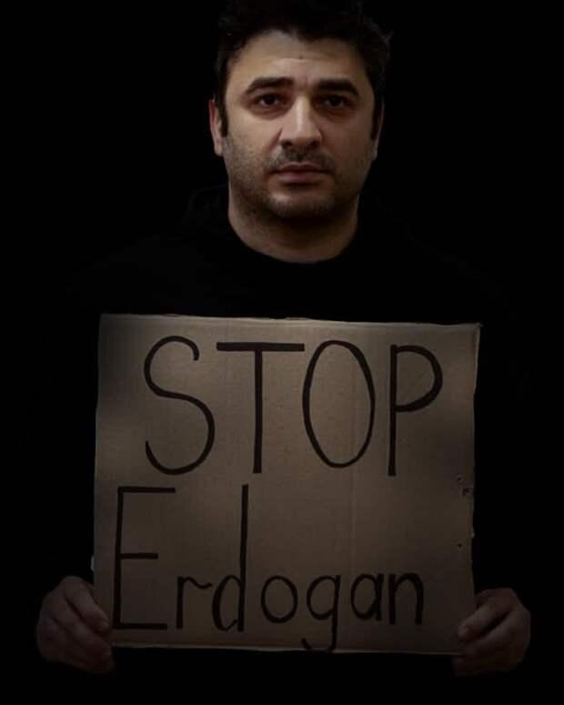 «Война показала, что у нас есть только один сосед, и это Россия!»: Сарик Андреасян о будущем Армении