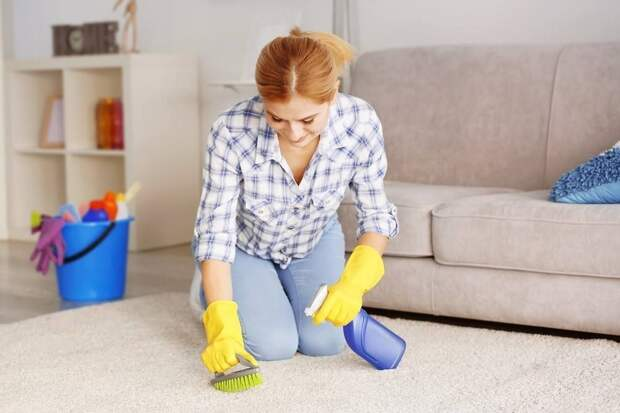Домашнее средство для чистки ковров: выводим пятна без проблем