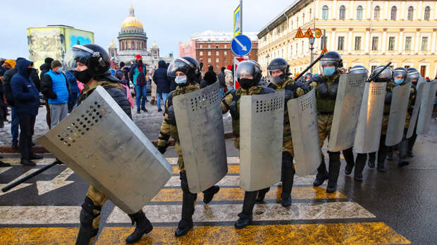 Выбить кресло губернатора: Питерский протест как сигнал для Администрации президента