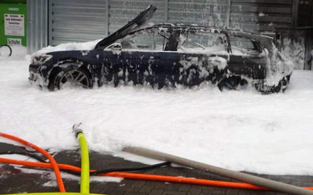 Вот как можно спалить машину пылесосом! Уникальное решение