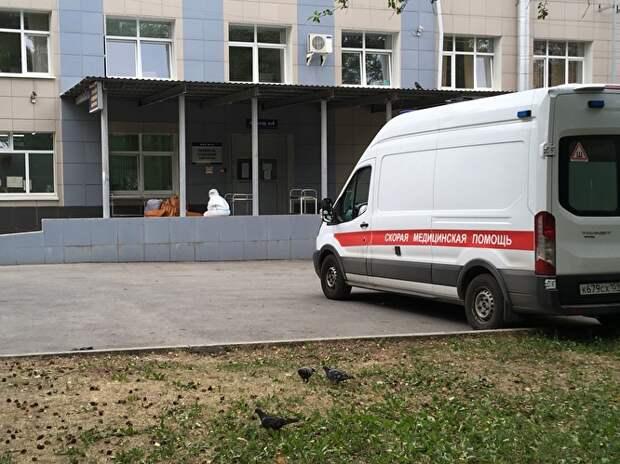 «Похоронщики сказали, в морге больницы мест нет. У них все переполнено!»