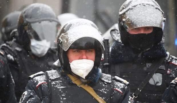 Полиция спасла жизнь мужчине в центре Москвы