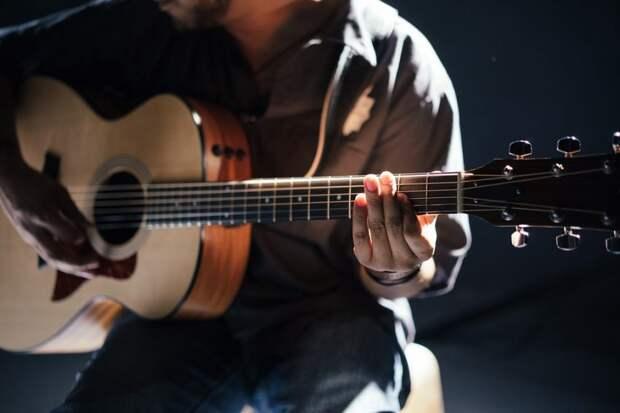 Бардовские песни прозвучат в библиотеке Северного округа