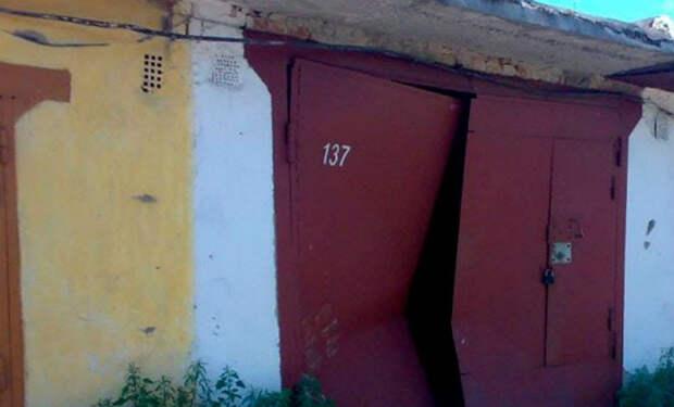 Соседи смеялись, когда мужчина купил старый гараж, а он превратил его в настоящий дворец
