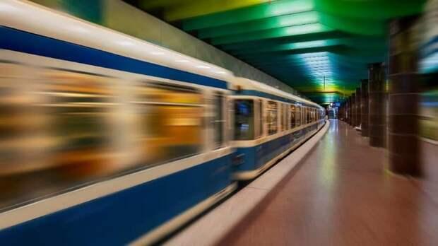 Машинист поезда изнасиловал 18-летнюю девушку
