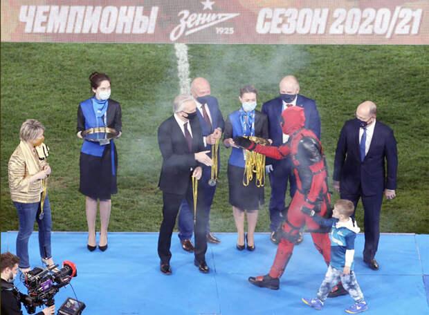 Есть восьмое и третье подряд чемпионство «Зенита»! Команда Семака наглядно продемонстрировала, кто в нынешней РПЛ хозяин