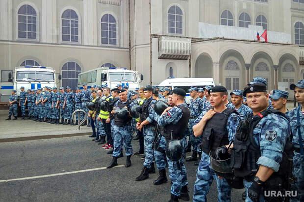 Лозунг «Иван Голунов» признали антиправительственным