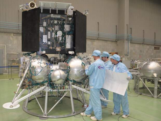 С первой российской лунной станции могут снять часть научной аппаратуры