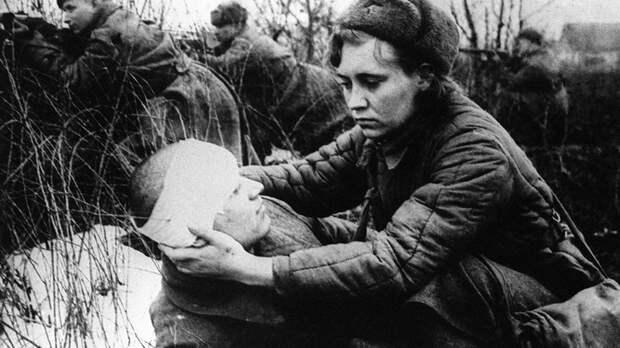 Плакал весь полк. Самоотверженный подвиг и страшная смерть медсестры Константиновой