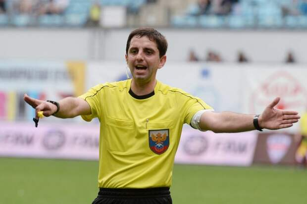 «Спартак» дважды упустил победу и снова жалуется на судейство. Хотя Кукуян на 85-й минуте матча не назначил пенальти в ворота «красно-белых»
