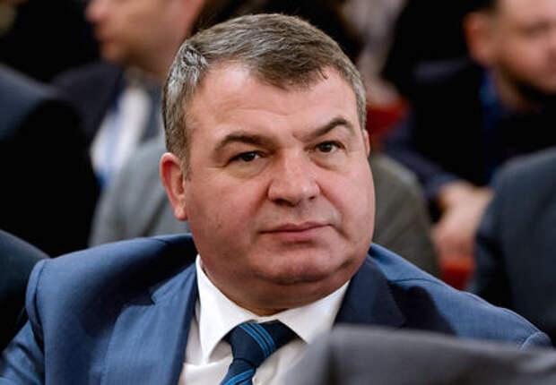 Анатолий Сердюков пришел работать на КАМАЗ