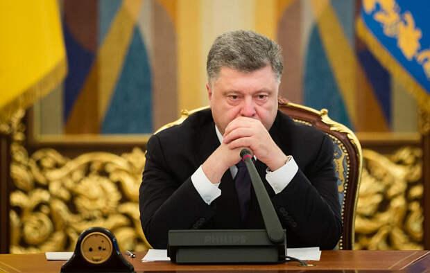 Политолог: Нерукопожатный Порошенко отомстит бойцу «Азова»
