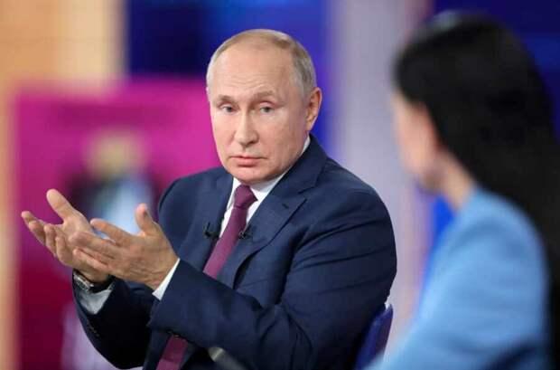 Владимир Путин вынужден возвращать на землю западные воздушные замки утопии войны