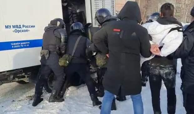 Оренбургский коммунист осудил жестокость силовиков вовремя акции протеста