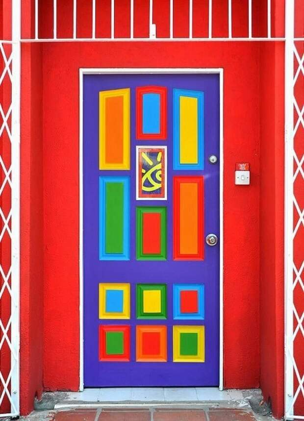 Яркие двери (трафик)