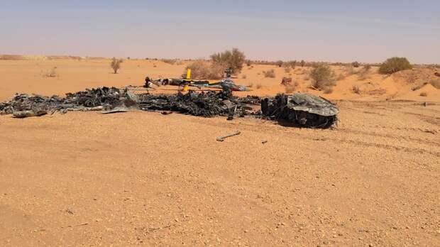 В Ливии при посадке загорелся военный вертолёт