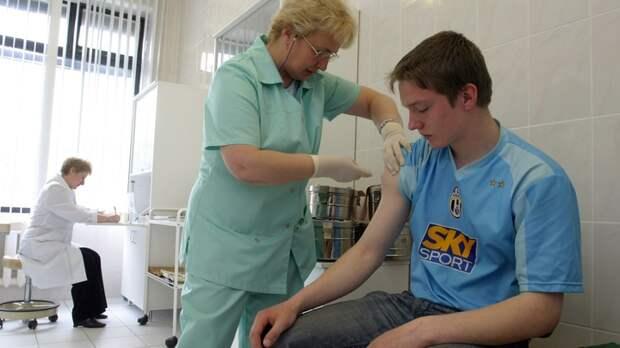 Волосы выпали и рак нашли? Мясников оценил напряжённое ожидание вакцины от коронавируса