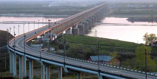 Россия и Китай состыковали мост через Амур