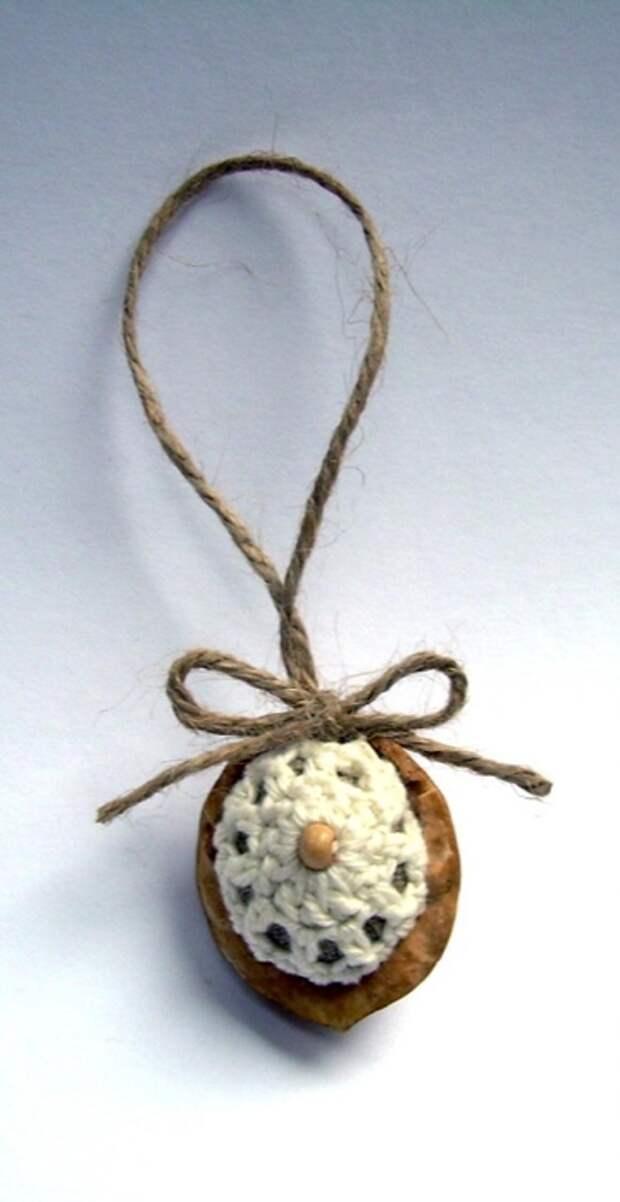 Фисташки и грецкие орешки для упаковки новогодних подарков (8) (360x700, 129Kb)