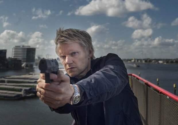 Для тех, кто соскучился по британским детективам: 5 причин посмотреть сериал «Однажды в Амстердаме»