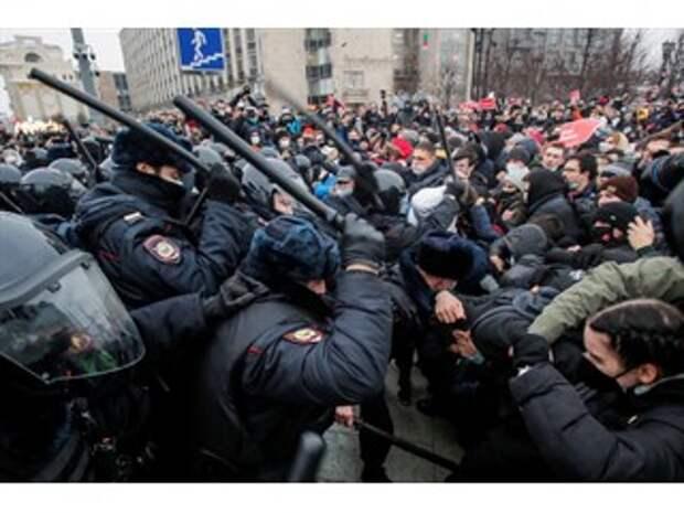 Протесты в России из-за ареста Навального вызвали неоднозначную реакцию на Украине