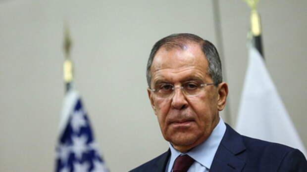 """Запад загоняет Россию под """"линейку"""". Лавров перешёл на английский: """"Чувствуете разницу?"""""""