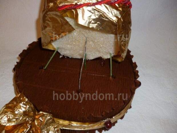 рог изобилия из конфет (18)