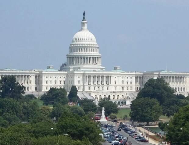 """Конгресс США согласовал новые санкции против """"Северного потока - 2"""""""