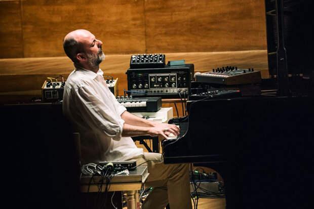 Итальянский композитор посвятил свой трек России