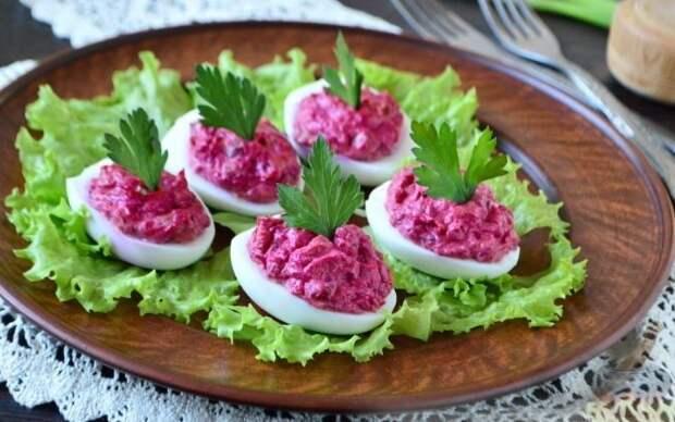 Яйца с сельдью