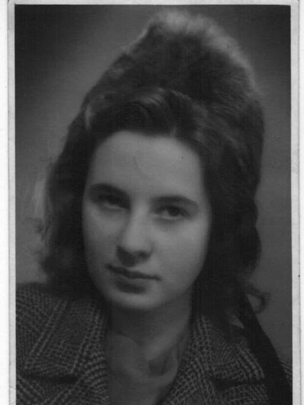 Мать Александры Рюкерт – Гудрун.