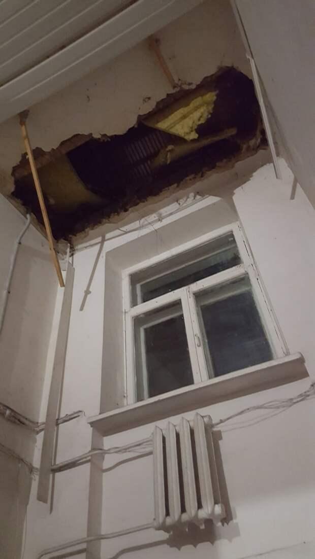 В Воткинске обвалилась крыша жилого дома