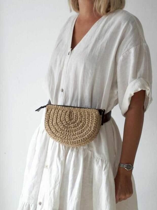 12 стильных вязаных и сшитых сумочек на пояс