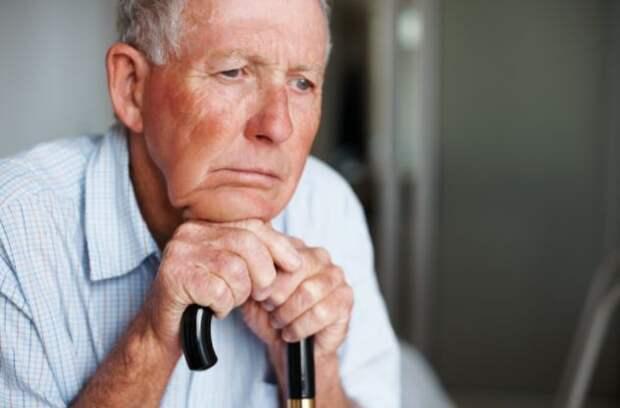 10 тревожных факторов, которые провоцируют развитие болезни Альцгеймера