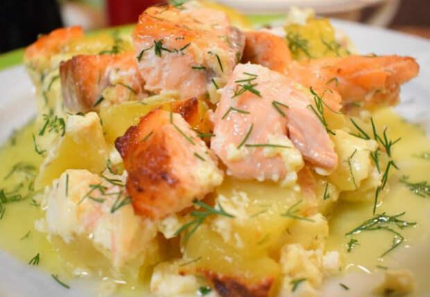 Кладем рыбу поверх картошки: запеканка как в Италии
