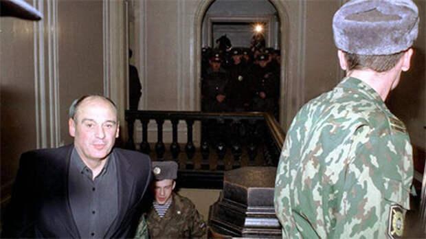Личный враг Собчака и Путина Юрий Шутов