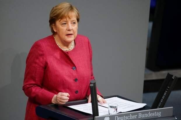 Меркель сделала первую прививку от коронавируса