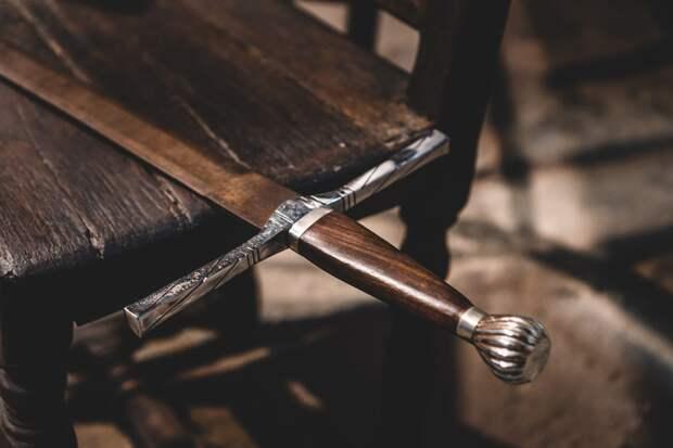 Жителя Татарстана подозревают в краже антикварных мечей в Ижевске
