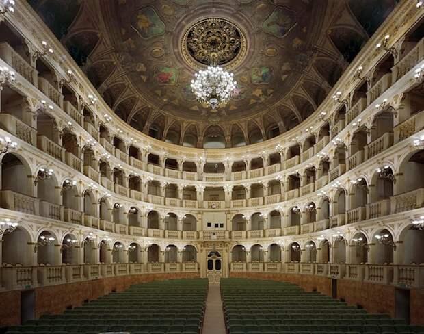 opera_theatre02.jpg