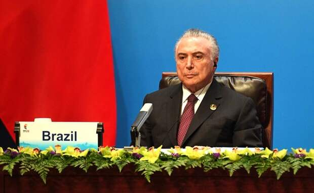 Экс-президент Бразилии Темер задержан по подозрению в коррупции