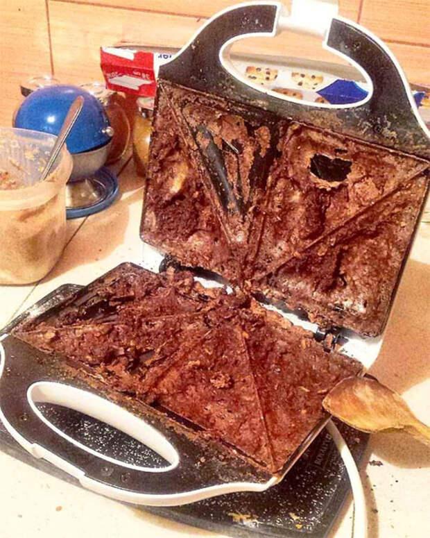 Уверена, это должно было быть что-то вкусное! | Фото: Funon.cc.