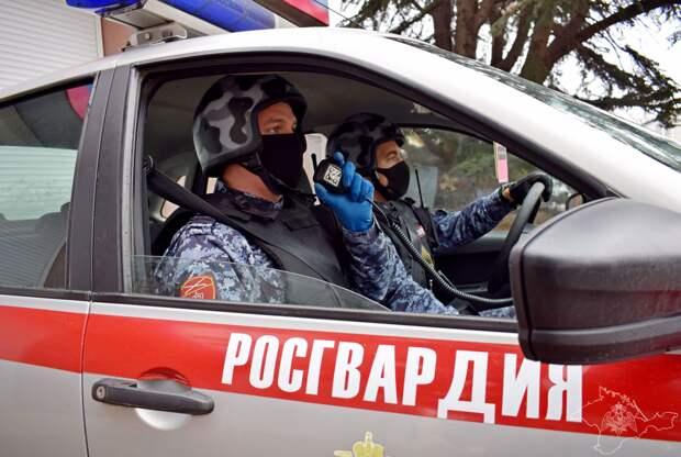 Росгвардейцы задержали пьяного крымчанина, который пытался сбежать от погони