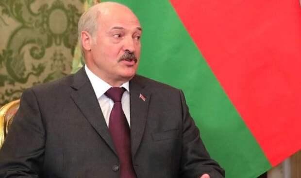 """Лукашенко: необходимо закончить """"недоразумение"""" в Донбассе"""