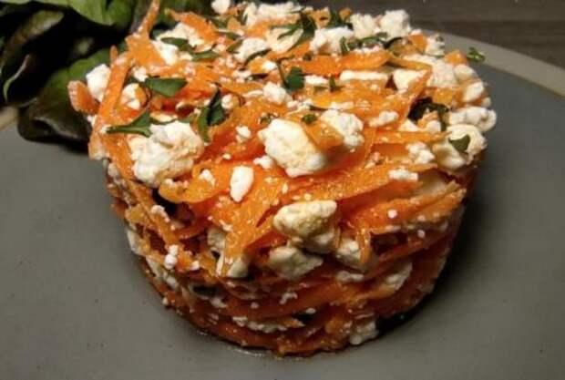 На деревенской свадьбе очень понравился салат с морковью: варить не надо, а готовить 5 минут