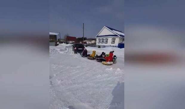 Наказание за прицепленные к машине «ватрушки» в Удмуртии, подорожавший бензин и отключения Zoom